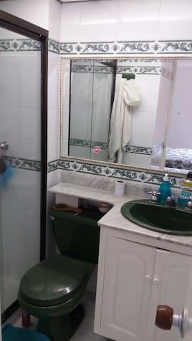 bathroom of the master bedroom