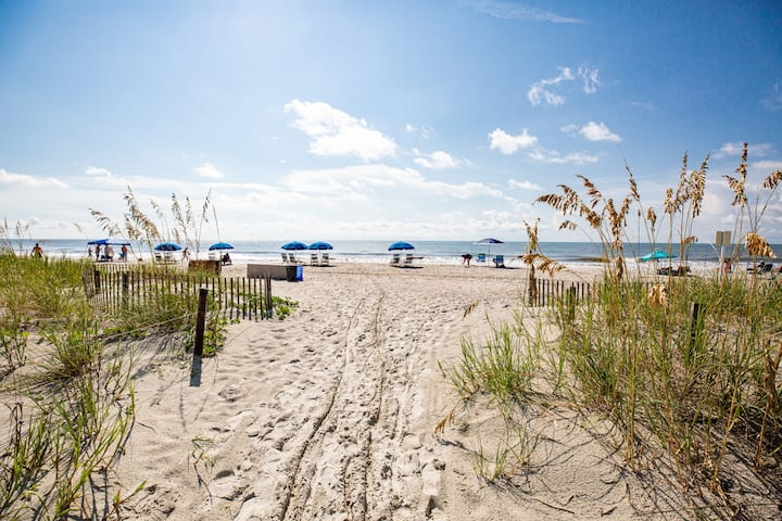 Relax on the Beach at Seawatch - 2 Bedroom Condo!