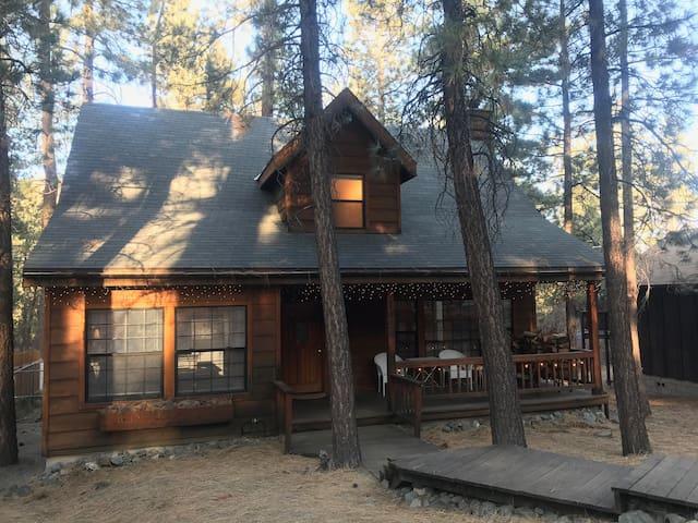 Oriole Perch Cabin, Fireplace, WIFI, TV