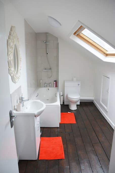 Modern Clean Bathroom