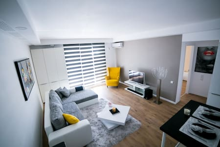Cosmopolis Exclusive Residence - Voluntari - Apartment