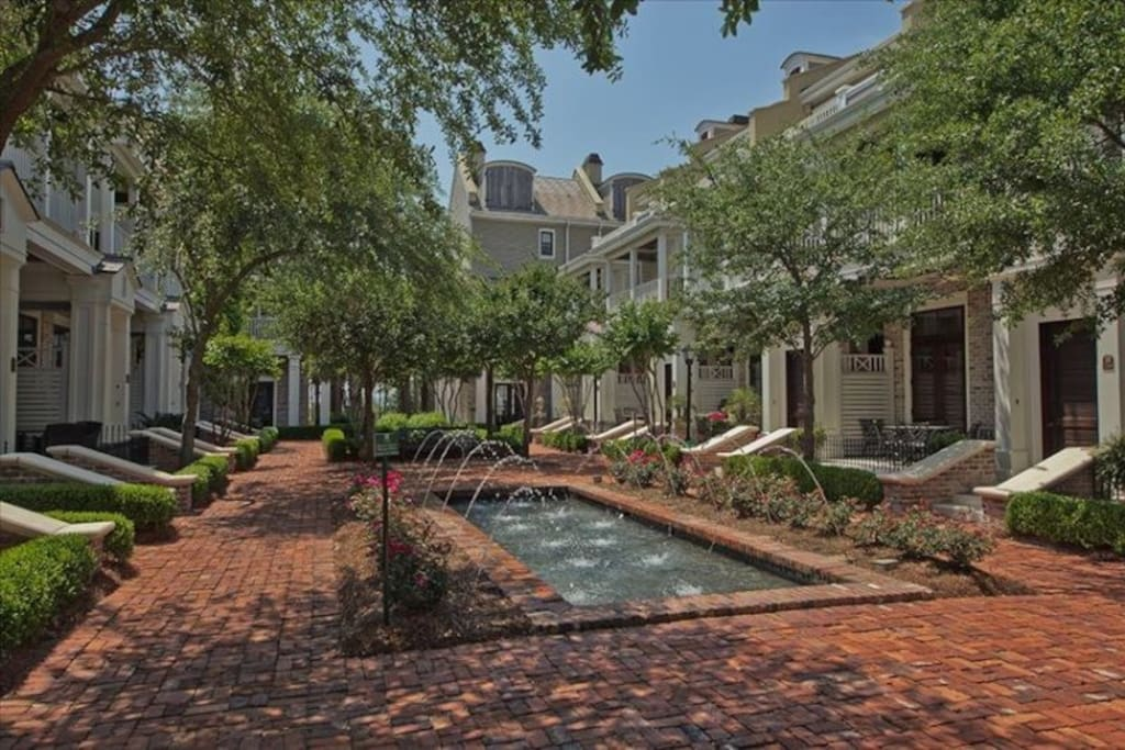 Le Jardin Luxury Townhome with 3 bedroom 3.5 bath