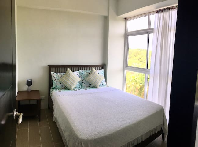 Master's Bedroom With golfcourse view
