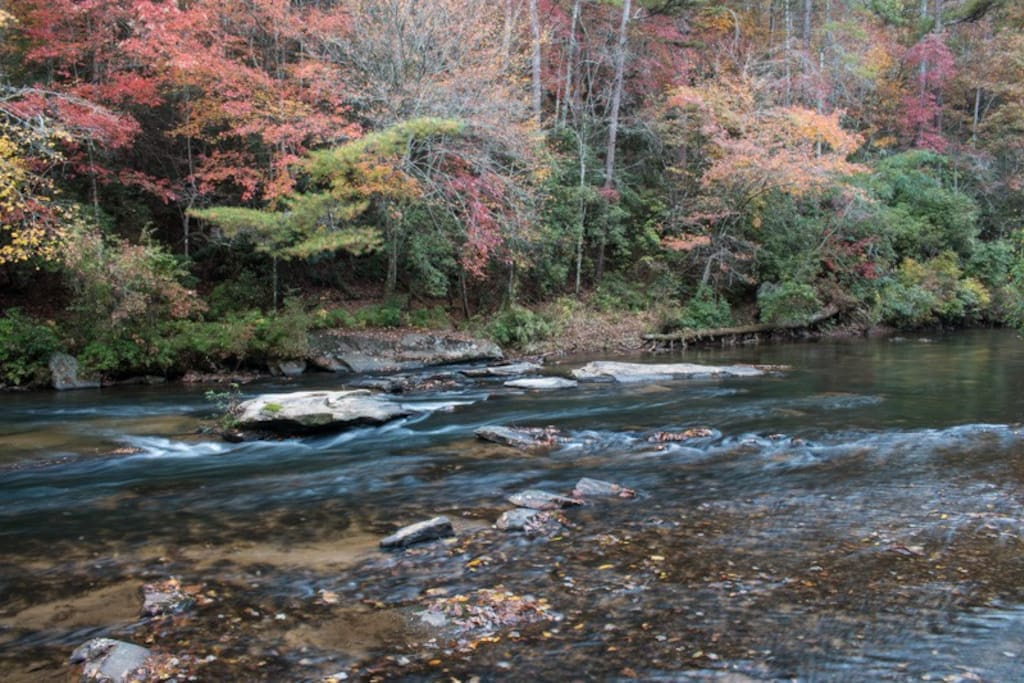 Listen to the sounds of Mountaintown Creek