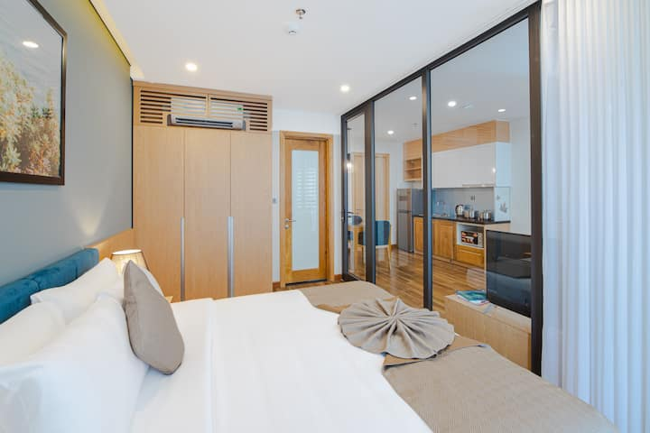 H-SUITES ✯ 1 Bedroom with Balcony and Rooftop Pool