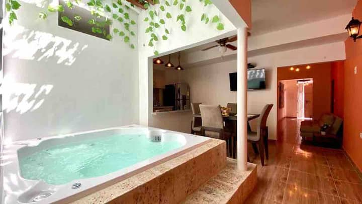 4BR House in the Old City jacuzzi AC full Wifi⭐️