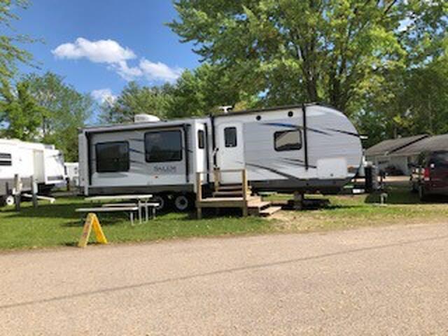 Salem camper 16B