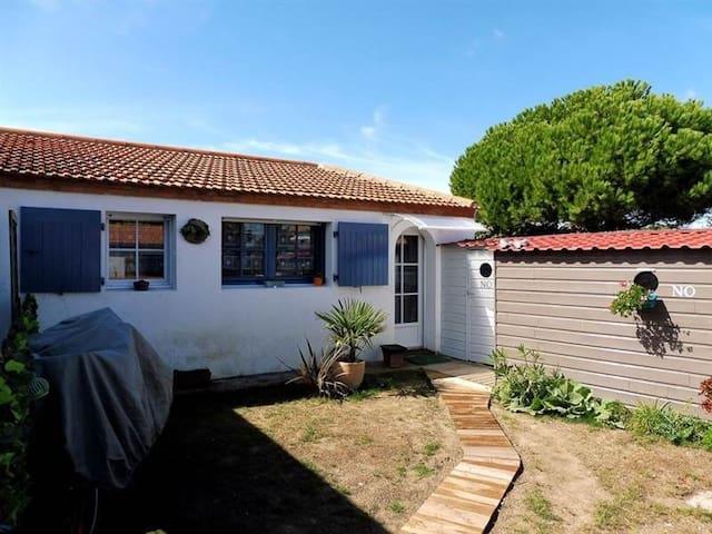 Petite maison au bord de mer - L'Épine