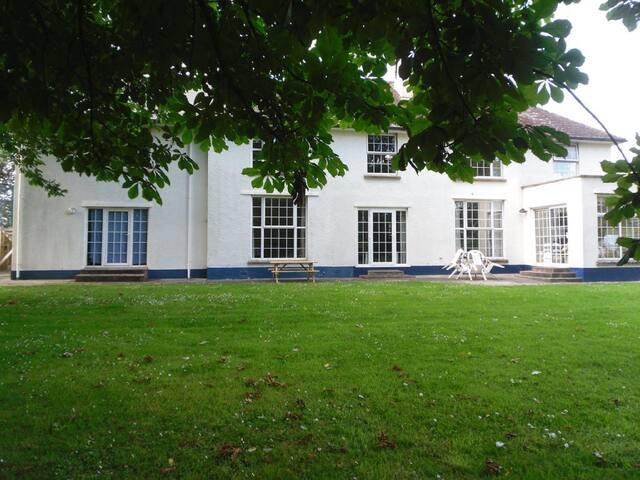 Self-Catering Cottage Braunton Near Croyde-Saunton