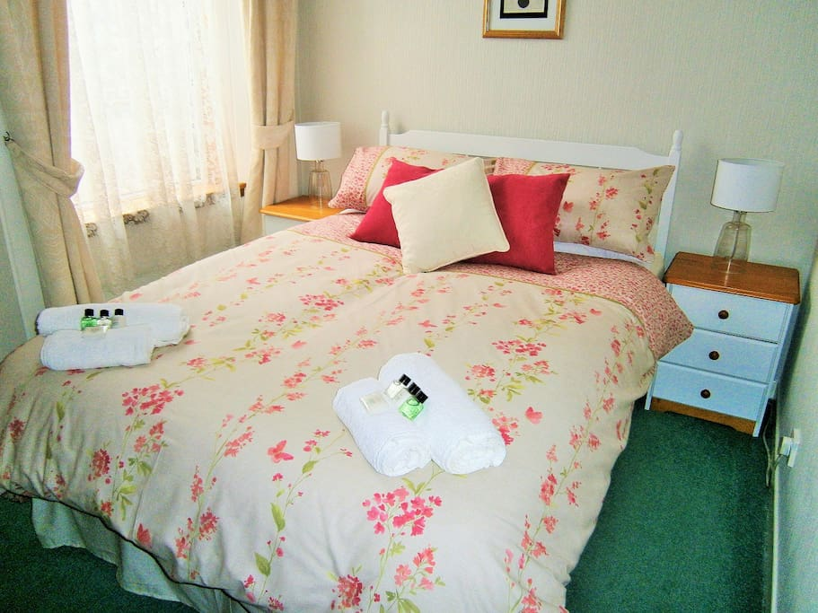 Double Room with en suite facilities. £70 per night based on 2 people sharing including breakfast.