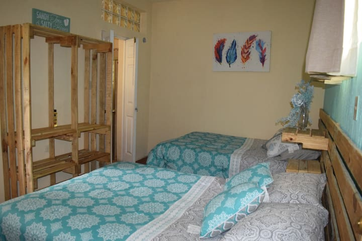LOW-COST 2 bed- 1 room, 5min from Casa de Dios