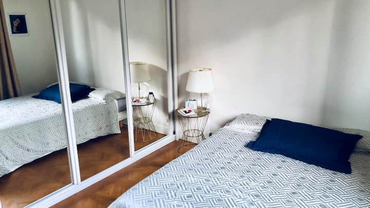 Charming, peaceful & bright Parisian flat
