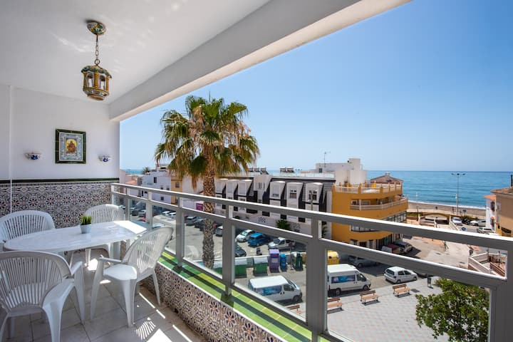 Holiday Apartment Cala Mar close to the Beach with Sea View & Wi-Fi