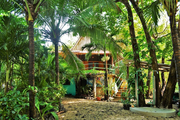 Colibri 2, Prime location only steps to beach!! - Playa Guiones