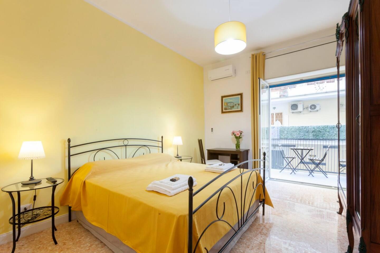 """B&B La Primula - """"Yellow Room"""""""