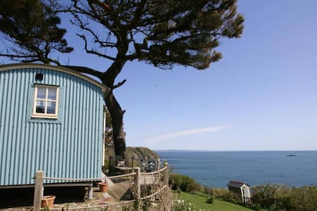Shepherd's Hut in Gorran Haven, Panoramic Ocean Views