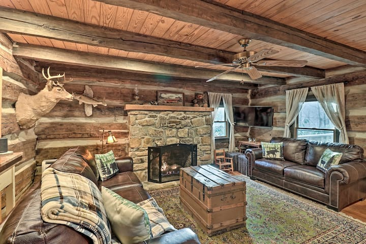 NEW! 1850 Log Cabin w/ Views & Proximity to Skiing