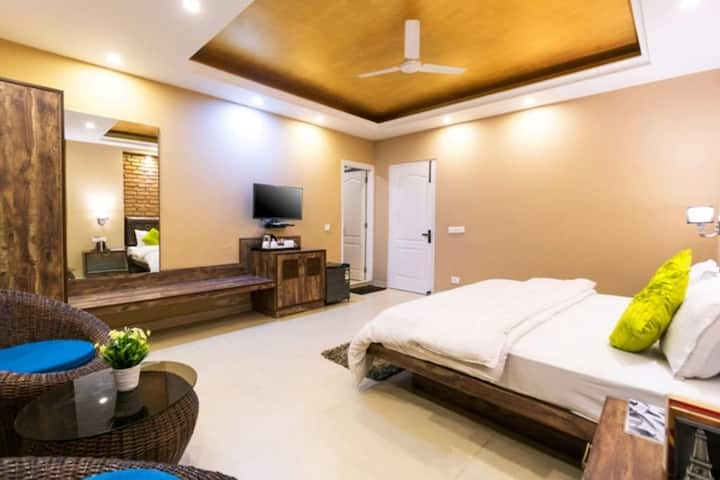 Executive room stay at mussoorie 606