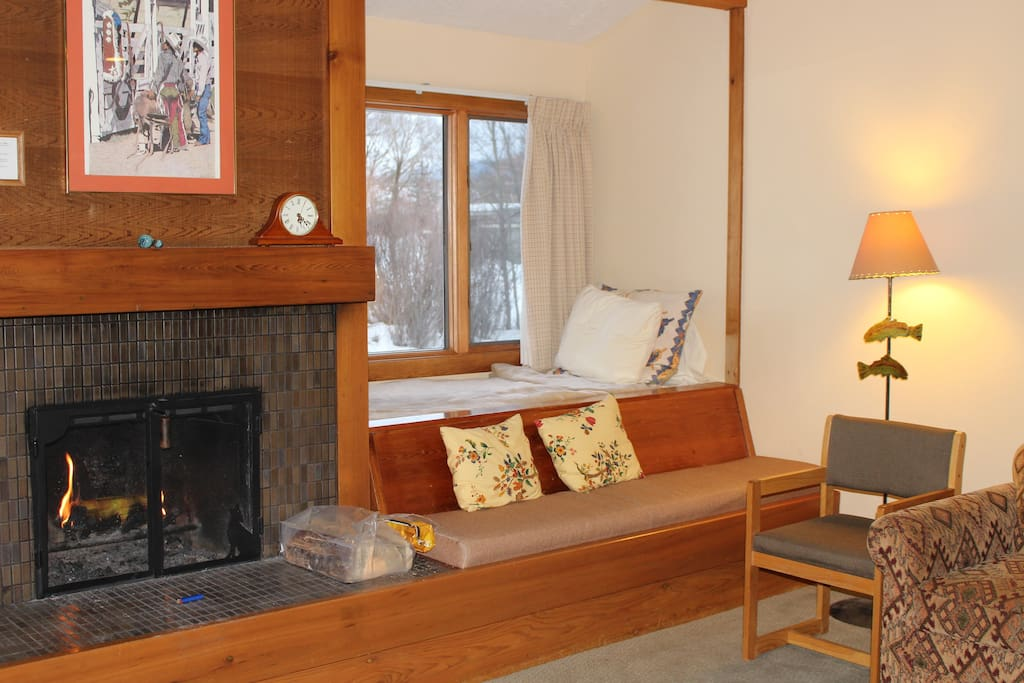 Fireplace, Window bed and bench
