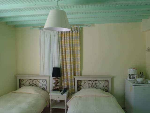 Rania Apartments Sea View - Standard Twin Room