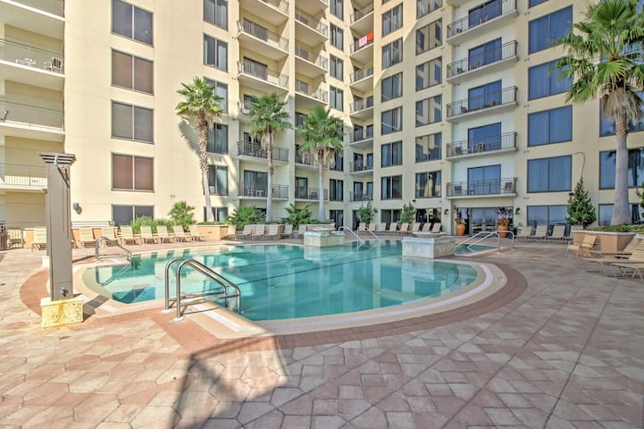 Pleasant Panama City Beach Studio w/Balcony!