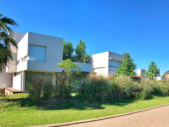 Increíble residencia en Funes