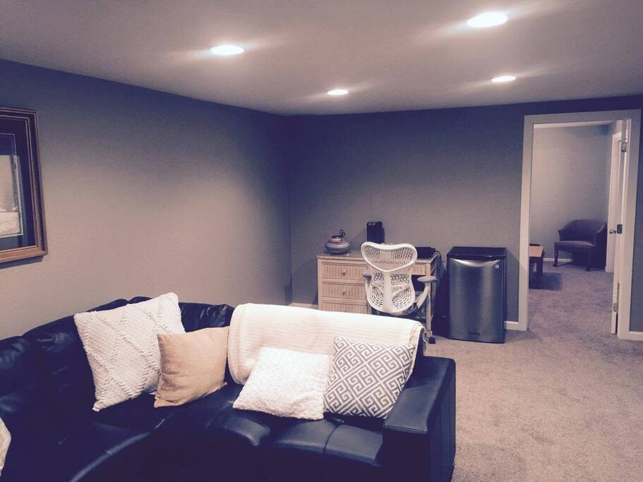 420 Friendly 2 Bedroom Between Denver Boulder Guest Suites For Rent In Arvada Colorado