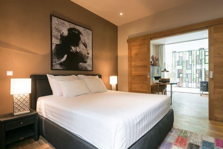 Cocooning master bedroom