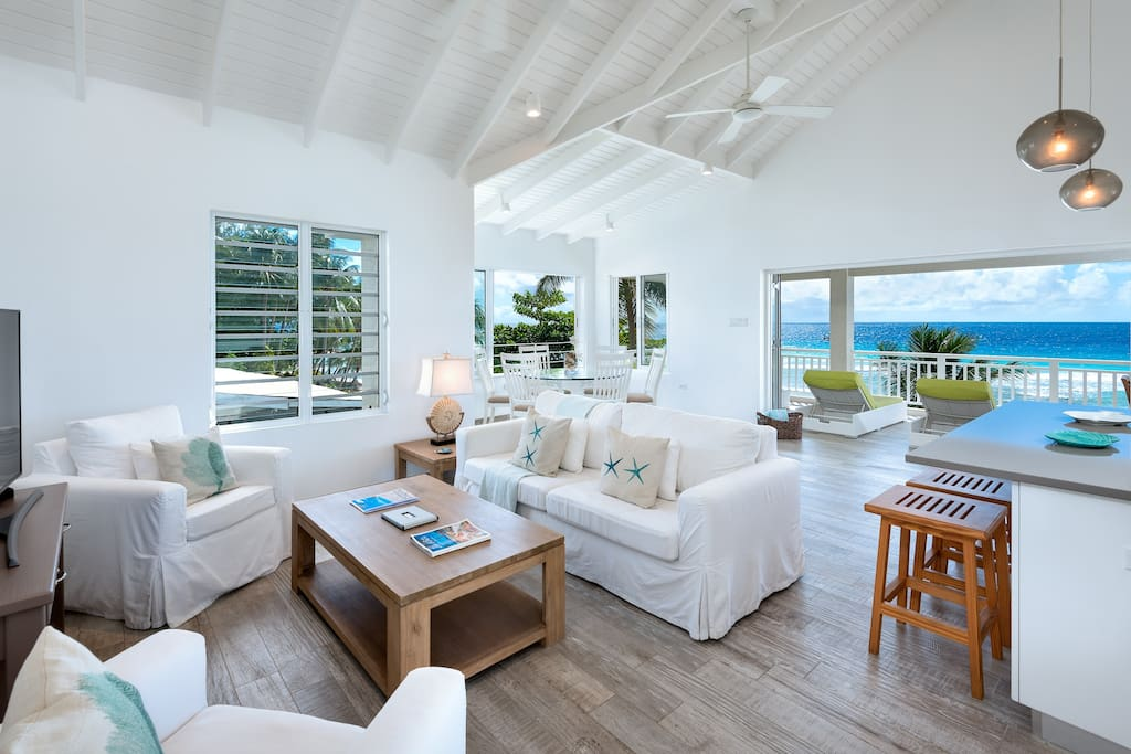 Island style living area that opens up onto a stunning Oceanview balcony.