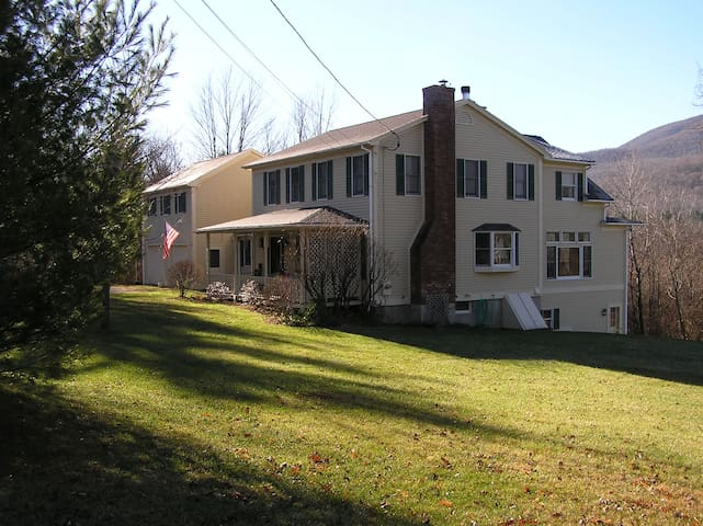 Myrick View House