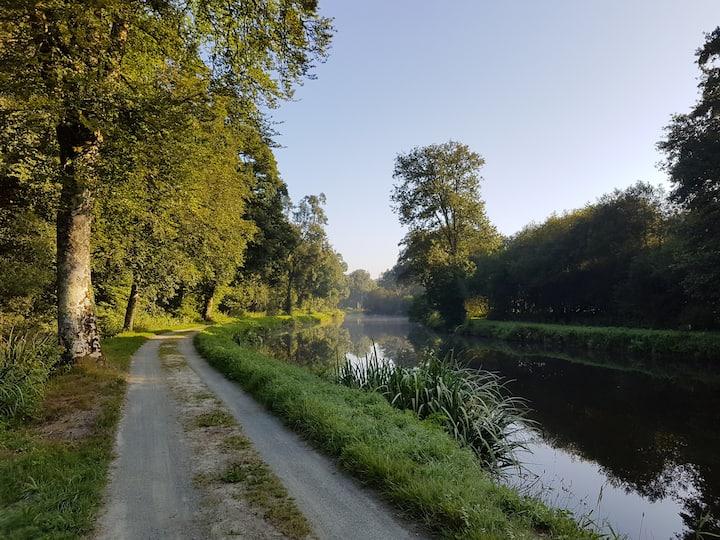 Maison éclusière du canal de Nantes à Brest