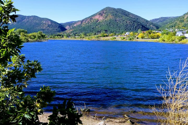 Limbach Lodge is a newly built, 3 story home that backs Pike National Park and is a short drive from Palmer lake where there is plenty of fishing, hiking and water sports. This is a picture of Palmer Lake.