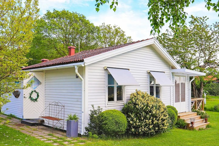 6 person holiday home in FALKENBERG