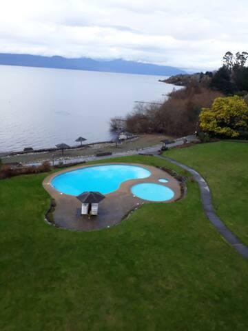 Precioso departamento orilla lago Villarrica.