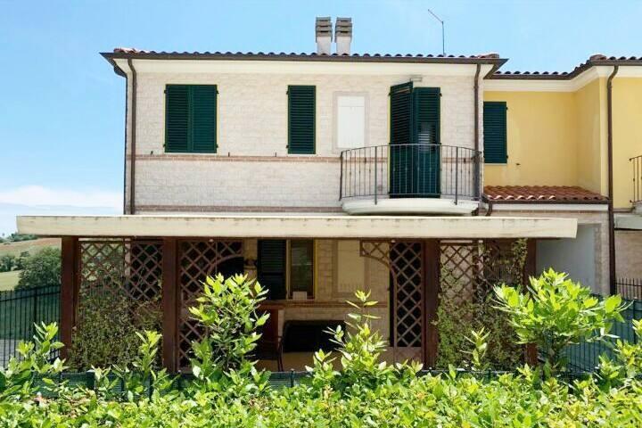 La Petite Maison Guest House Sirolo