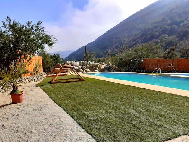 Cabaña entre montañas con spa