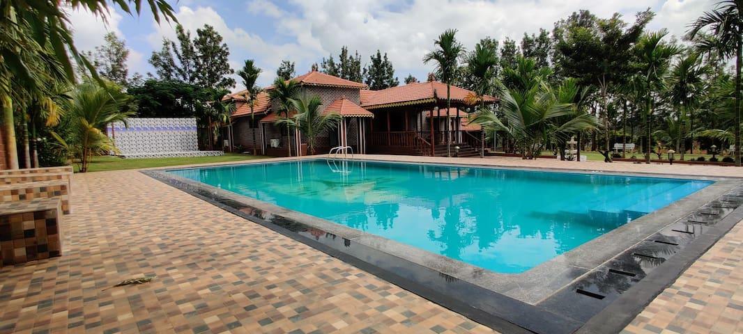 Tapasya Luxury Retreat, Villa with a private pool