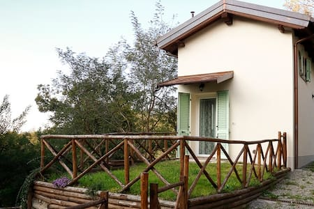 Two bedrooms flat with garden in the Apennines - Anconella