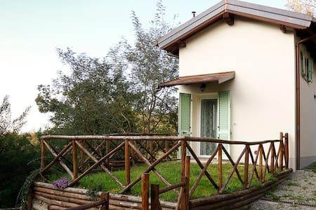 Bilocale con giardino sull'Appennino ToscoEmiliano - Anconella