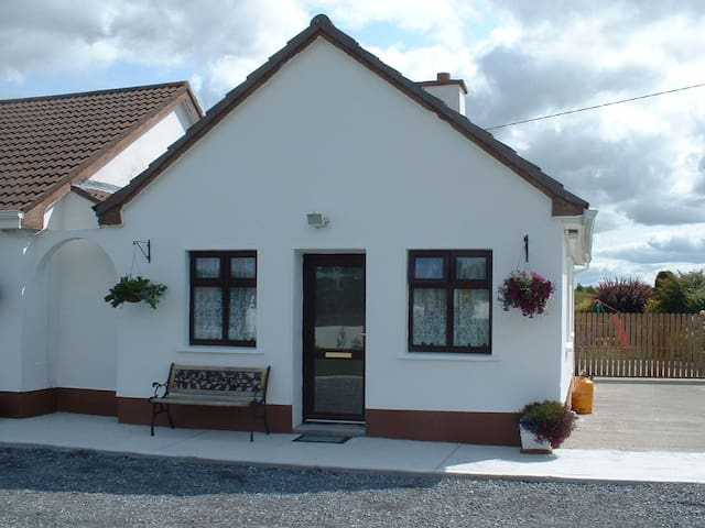 Mountain View  Apartment , Kinvara, - Kinvarra - Apartamento