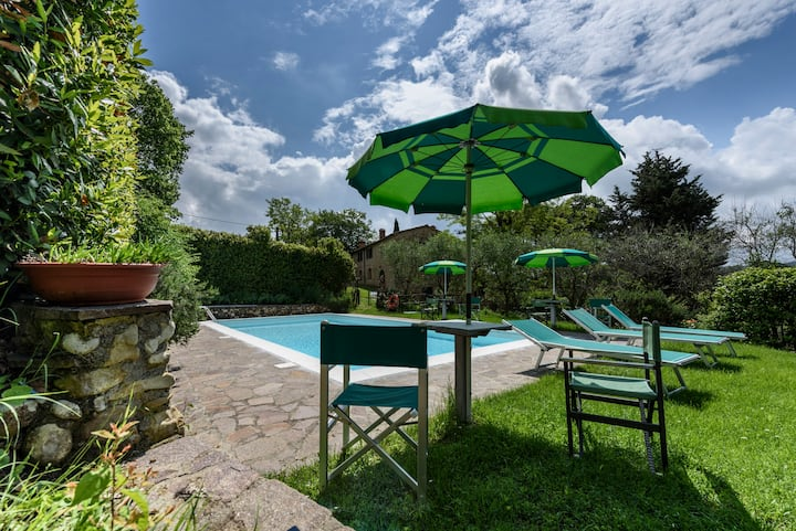 """GIRASOLI"" apt.in Tuscany-wi-fi free -pool view"