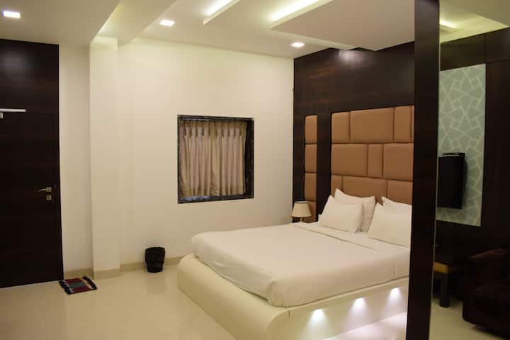 Boutique Executive Room 100 Mtrs from Baga Beach
