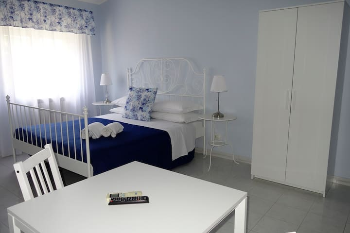 חדר שינה 8