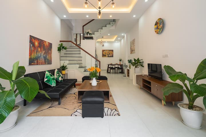 New Modern House for friends, 5minute to Ho Tay