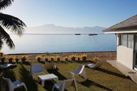Villa bord de mer avec chambres climatisées - Te'avaro