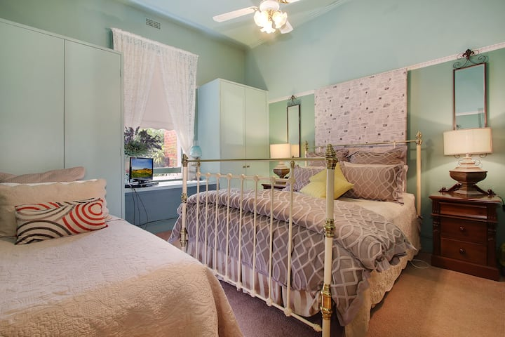 Belmont Bed & Breakfast - Room 3