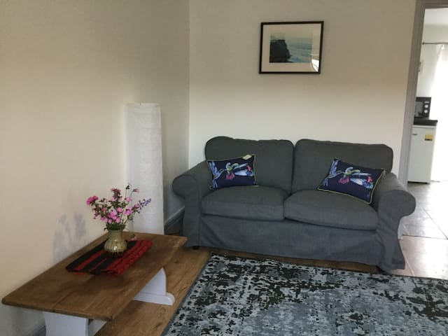 Dog Friendly Country Cottage