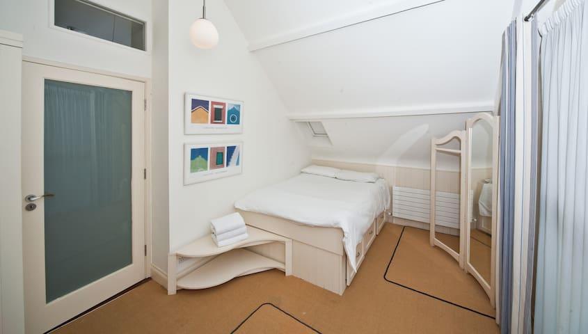 Bedroom 2 Top Floor
