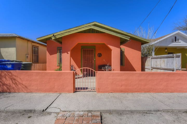 Tucson home in a great downtown location w/ furnished patio, yard, & gas grill