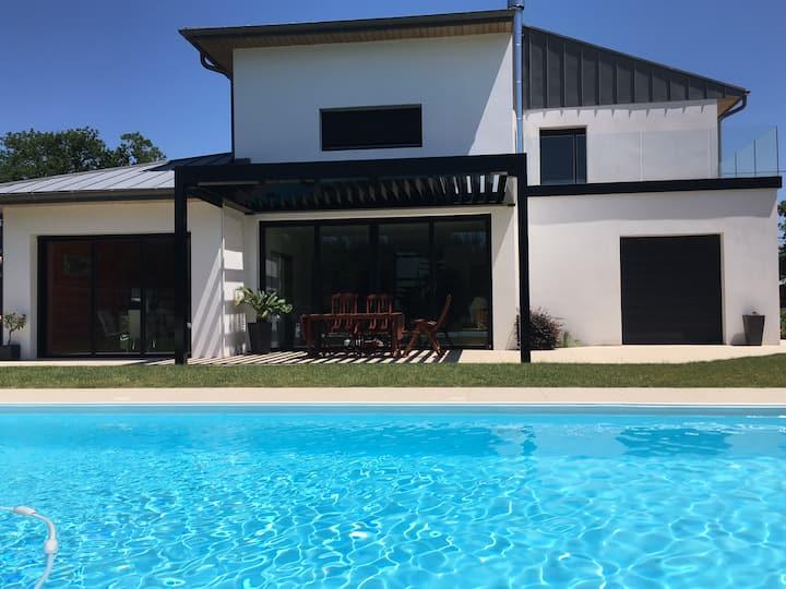 Villa à l'orée du bois et à 3 minutes de la plage